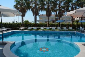veduta piscina residence
